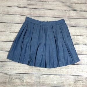 NWT American Eagle Chambray Pleated Skirt Size M